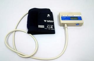 24時間ホルター自動連続血圧検査